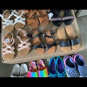 Girl's lot of sandals